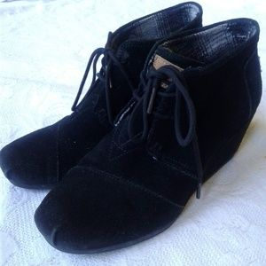 Toms Booties Shoes Wedges Lace Up Black Suede 8.5